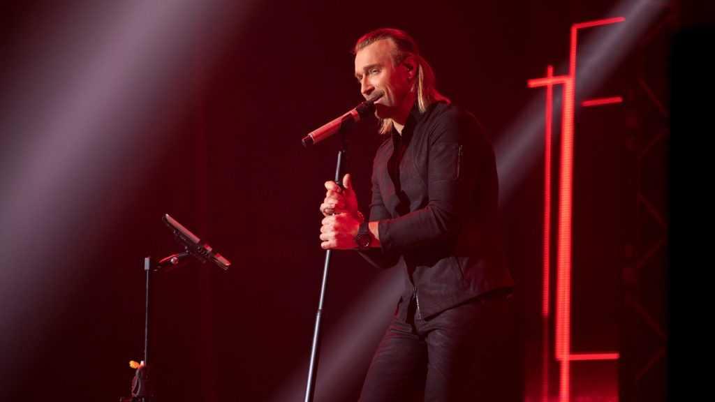 Украинский певец заявил, что в России он популярнее Михайлова и Лепса