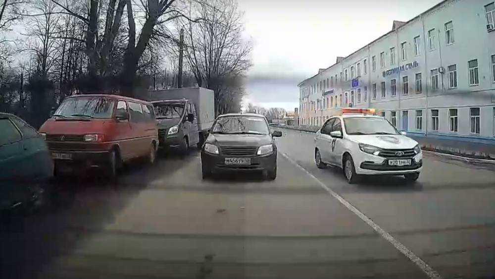 В Брянске водителя охраны обвинили в грубых нарушениях