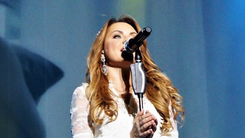 Певица МакSим шокировала поклонников на концерте