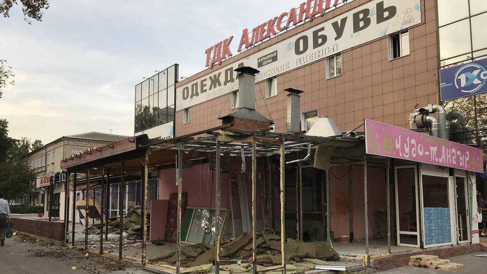 Брянский миллиардер скупил торговые центры Коломейцева и экс-депутата