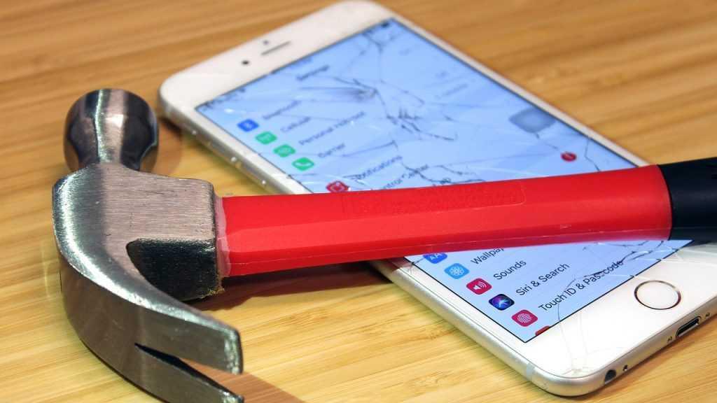 ФАС решила надавить на Apple и Google: чем это грозит пользователям