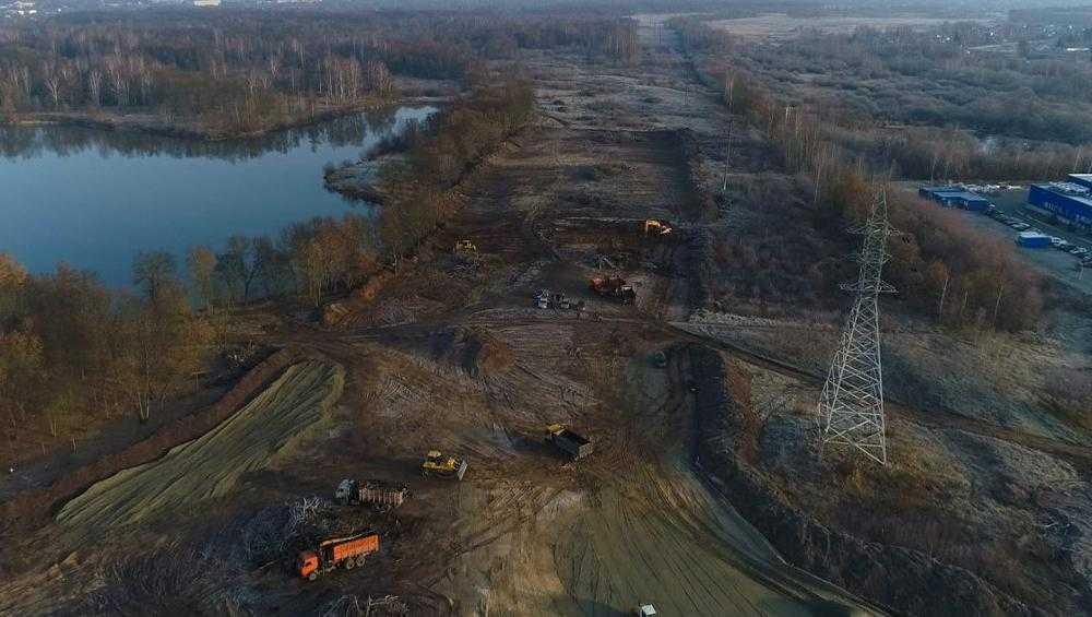 В Брянске новые дороги строят без выходных