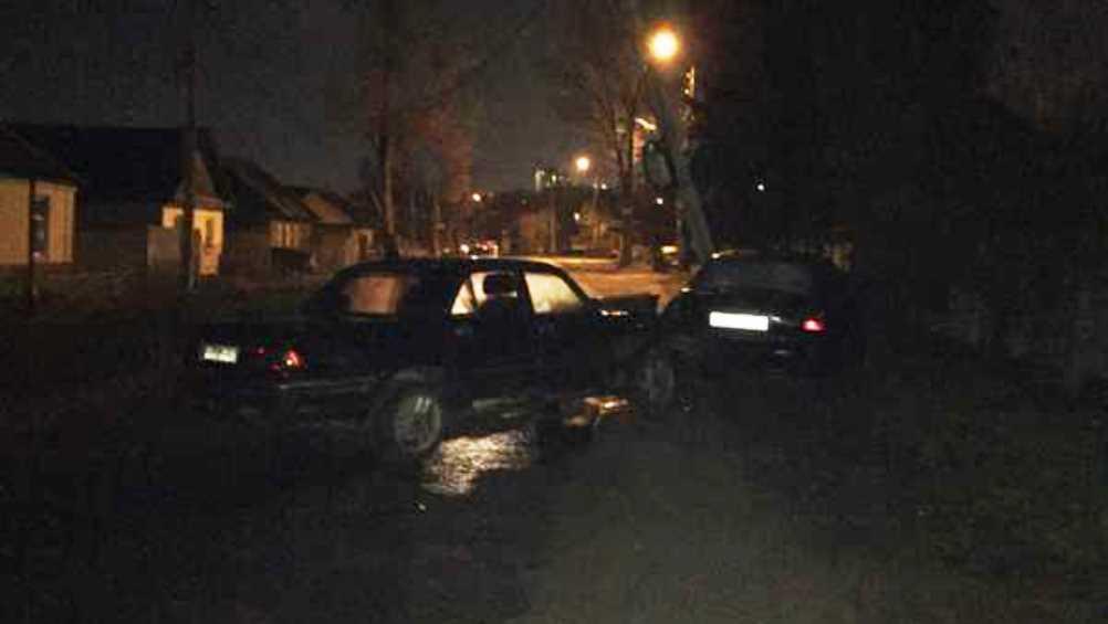 В Брянске две легковушки столкнулись на улице Калинина