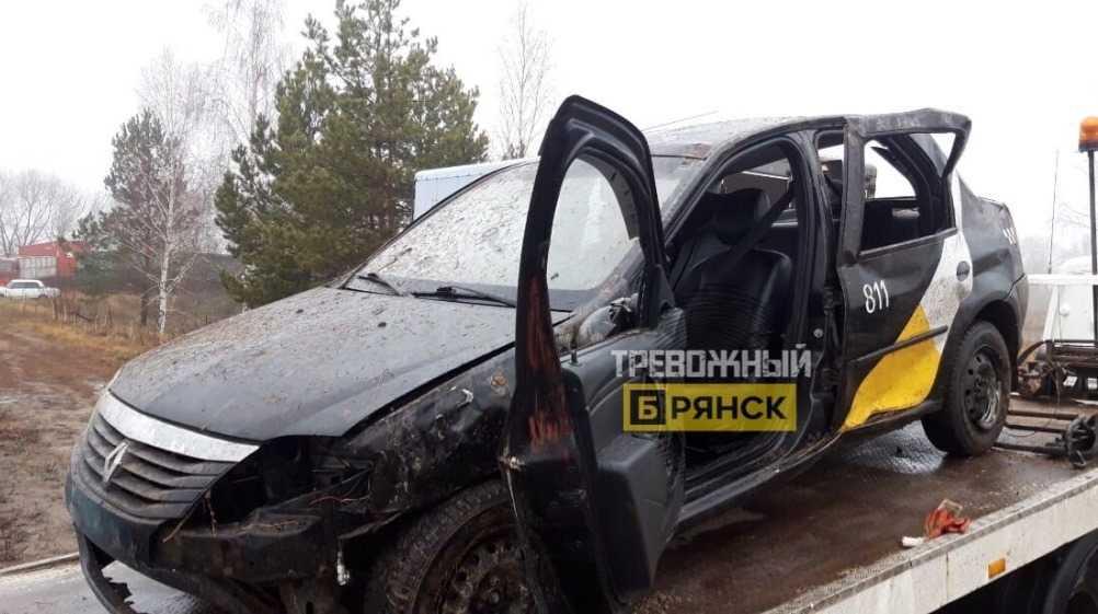 Под Брянском в ДТП с пьяным таксистом пострадал пассажир