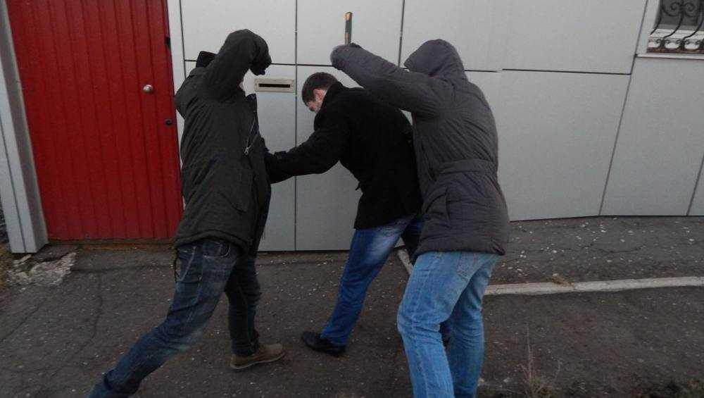 В центре Бежицы гопники напали на прохожего и ограбили его
