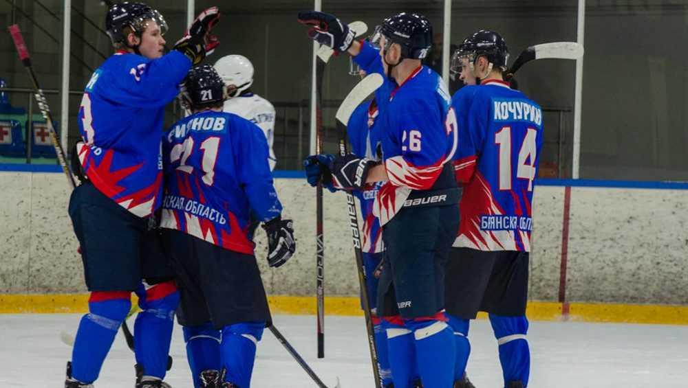 Брянские хоккеисты выиграли в Пензе и упрочили свое лидерство