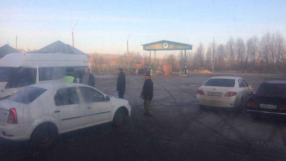 В Брянске из-за ДТП образовалась огромная пробка возле «Речного»