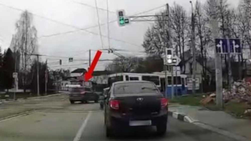 В Брянске водителя Hyundai оштрафовали за лихачество на дороге