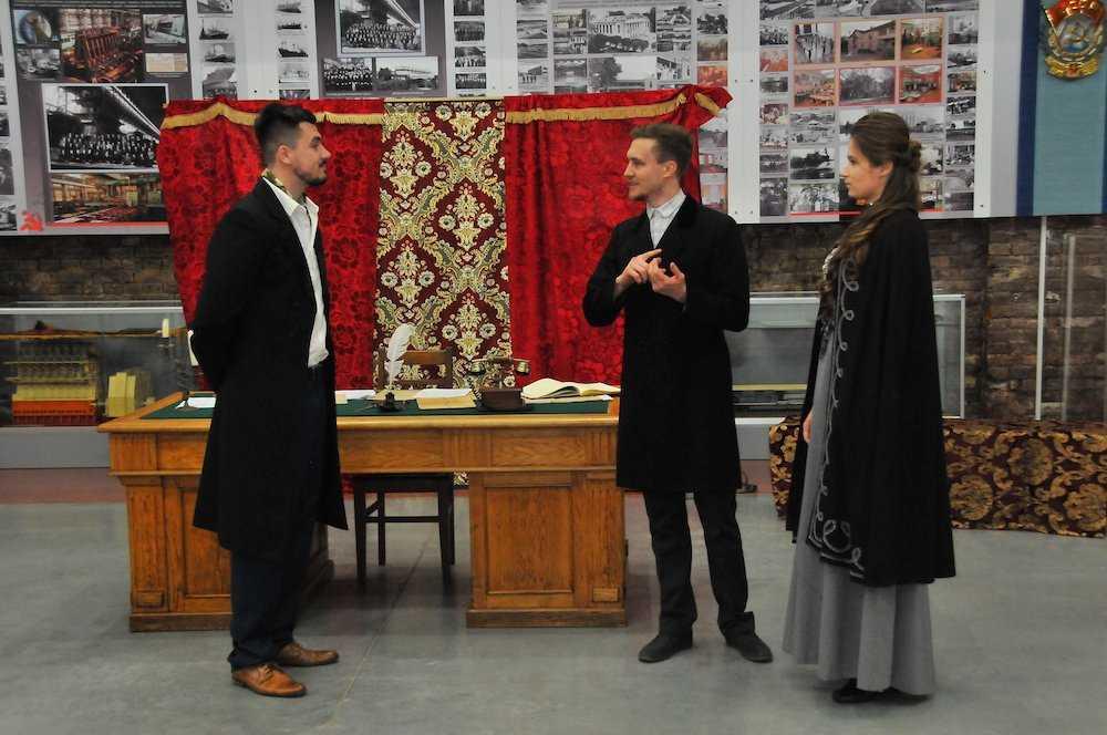 Гости музея БМЗ приобщились к искусству театра