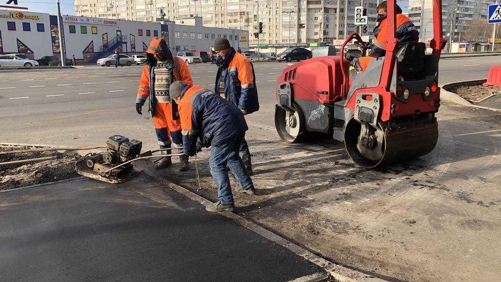 В Брянске на Авиационной построили широкий тротуар