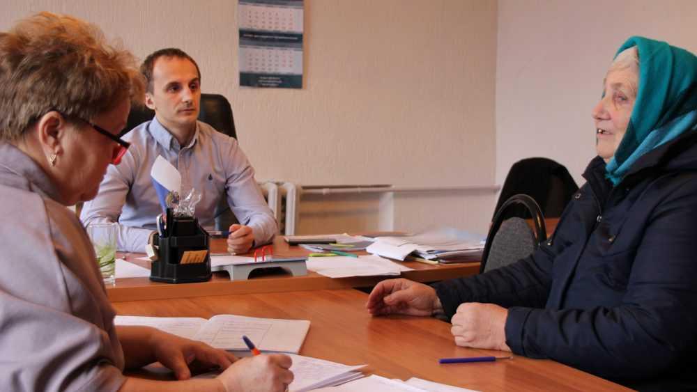 В Почепской приемной «Единой России» прием жителей провел Артем Ашеко