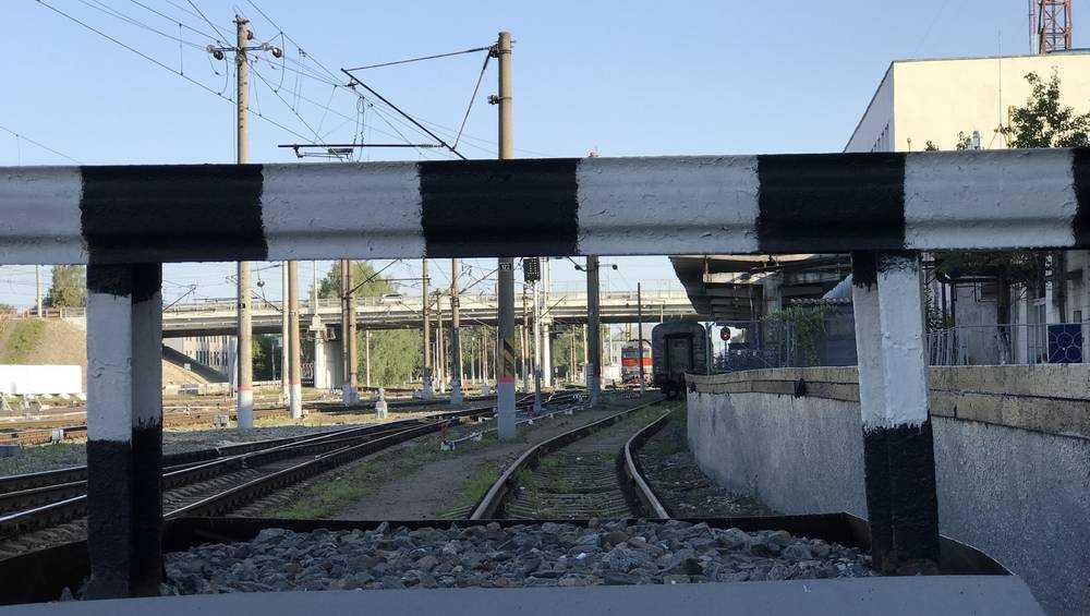 Переезд около станции Навля в Брянской области будет закрыт для движения автотранспорта 30 июля