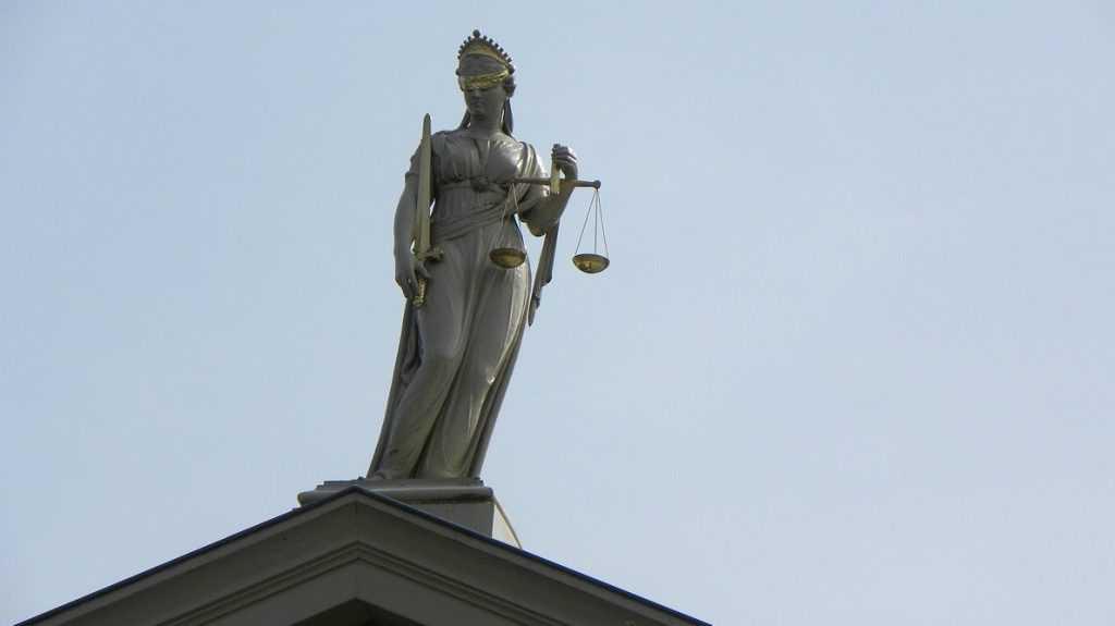 Беспечный брянский судья прославился на всю Россию
