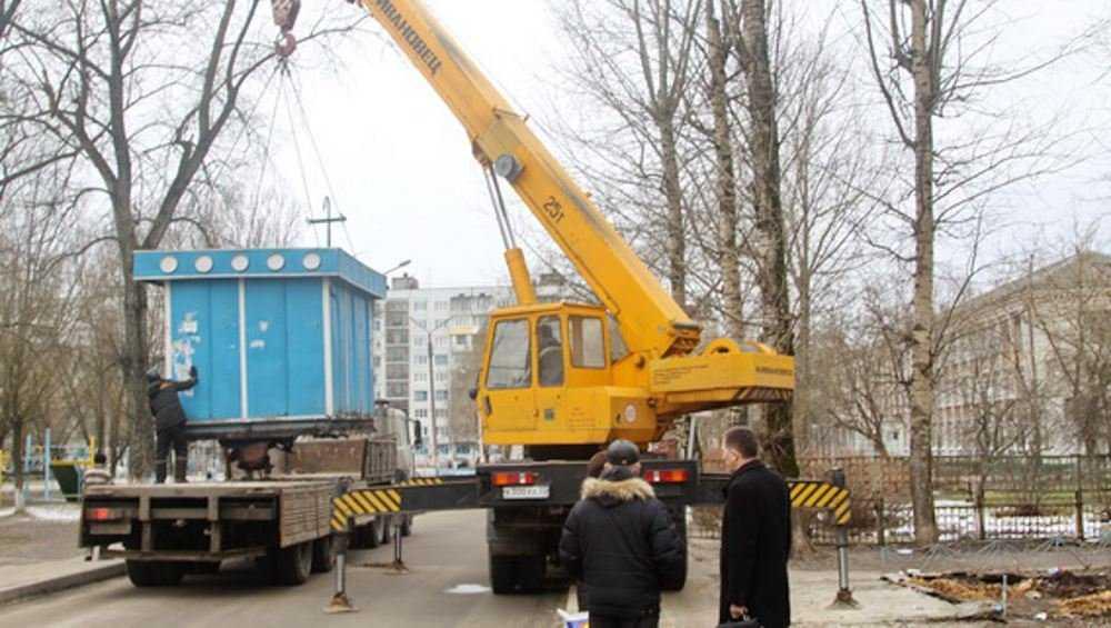 В Брянске выявили 30 нелегальных киосков