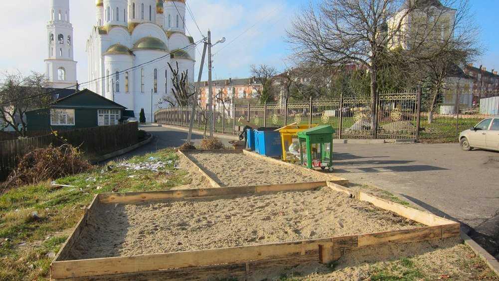 В Брянске для мусорных контейнеров подготовят 300 площадок