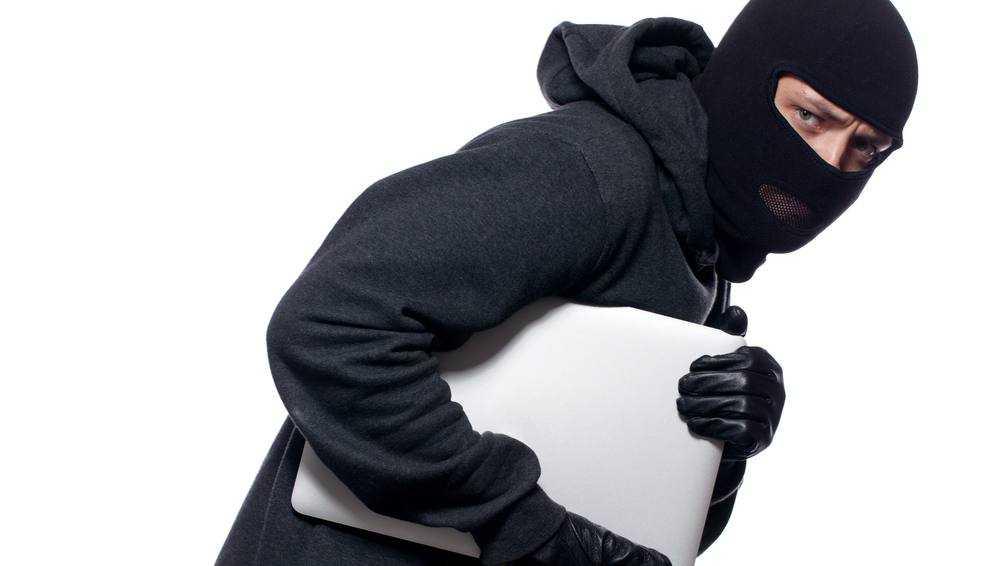В Брянске у сотрудника магазина посетитель украл служебный ноутбук