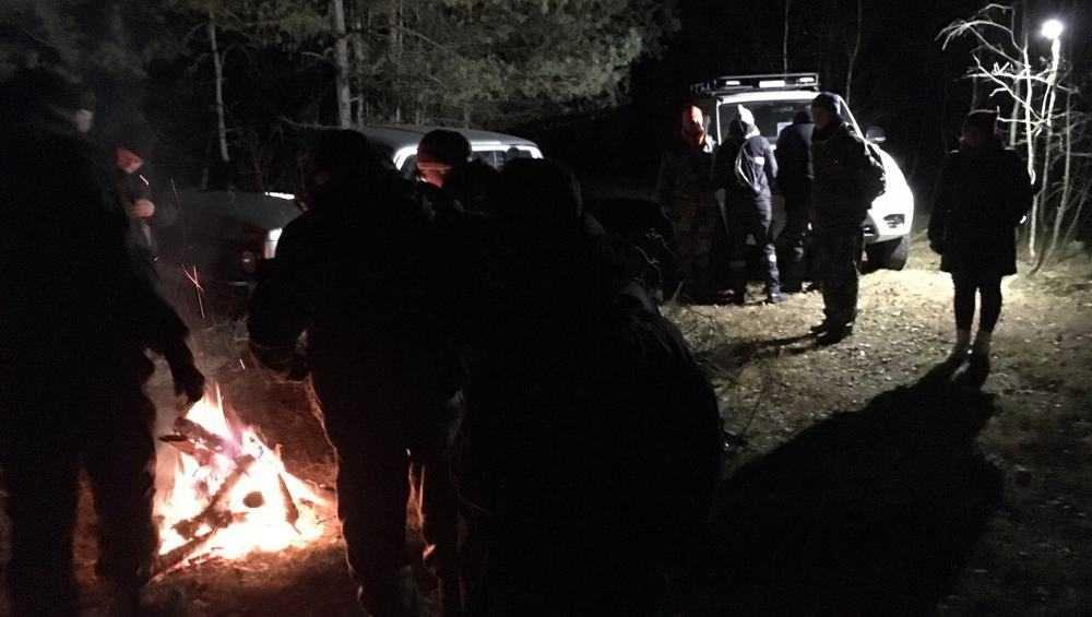 Волонтеры нашли потерявшуюся в лесу под Выгоничами пенсионерку