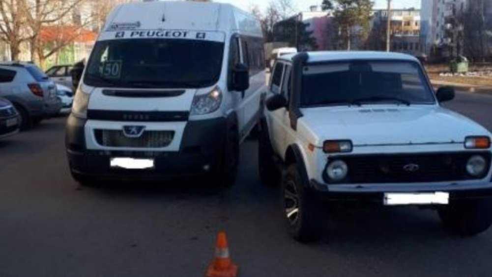 В Брянске в ДТП с маршруткой № 50 пострадал 83-летний пенсионер