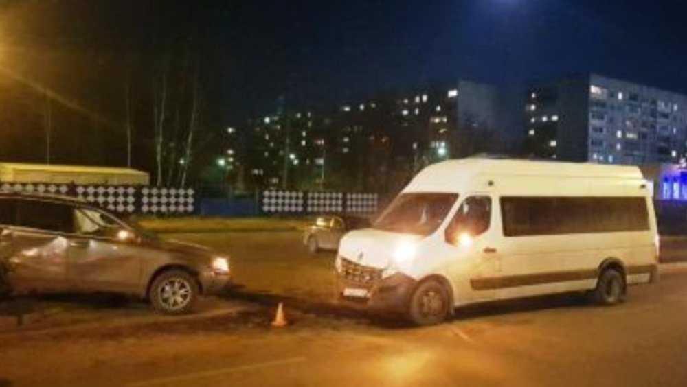 В Брянске в ДТП с маршруткой № 59 пострадали три человека
