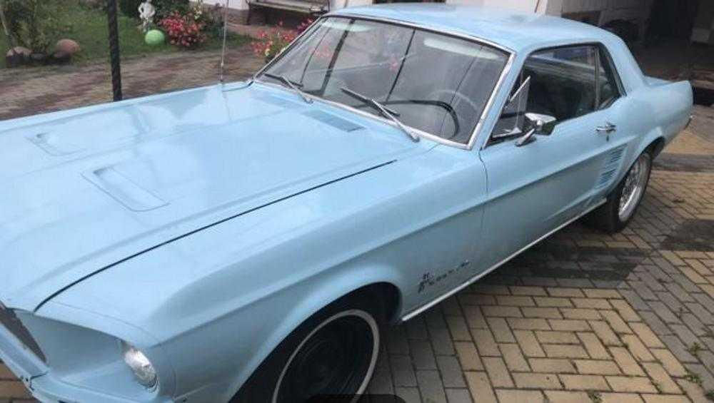 В Брянске раритетный Ford Mustang выставили на продажу