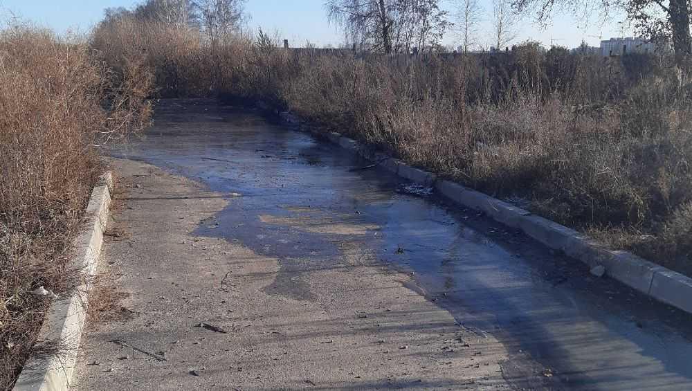 Элитный микрорайон под Брянском затопили нечистоты из канализации