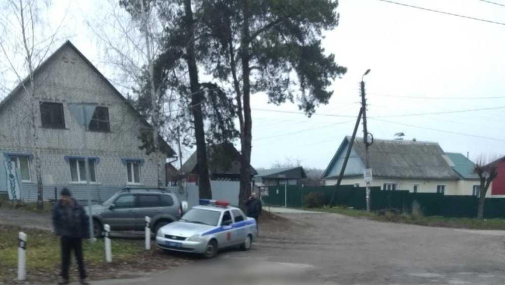 В Брянском районе под колёсами легковушки погиб пешеход
