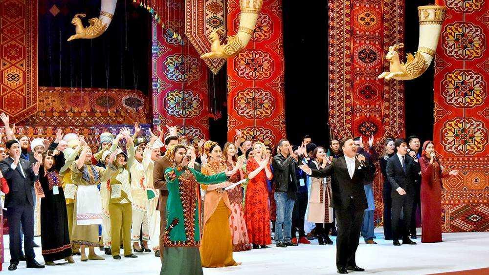 Брянский театр кукол с успехом выступил на фестивале в Ашхабаде
