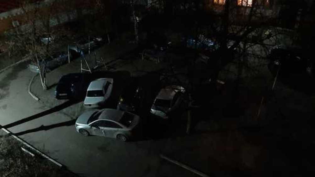 В Брянске «мастер парковки» перекрыл дорогу трём автомобилям