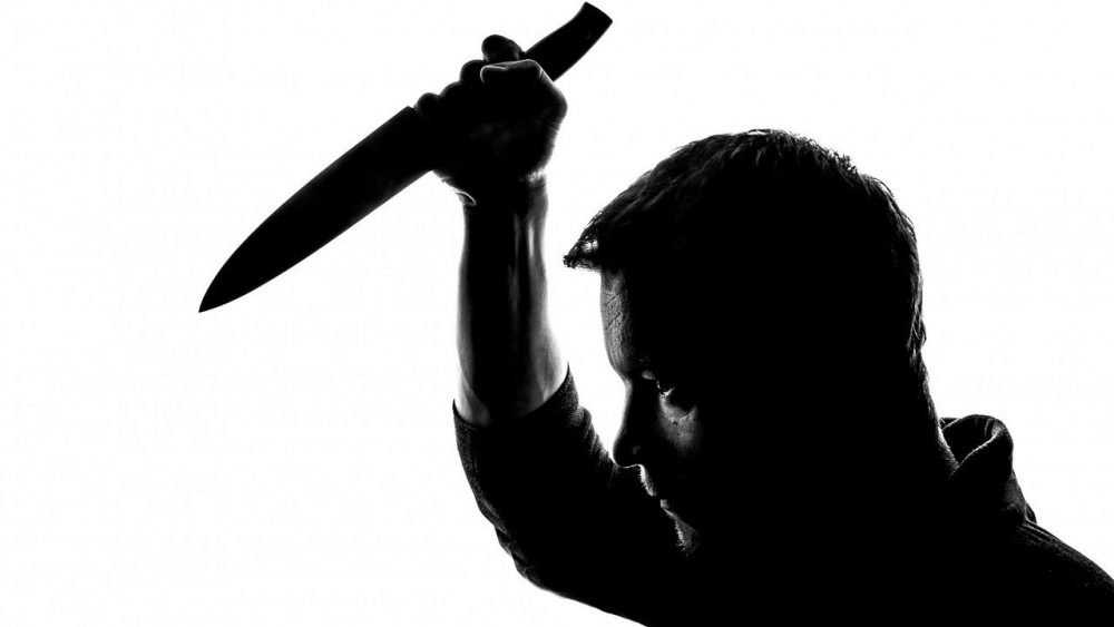 Молодой житель Брянска в пьяном угаре зарезал жену