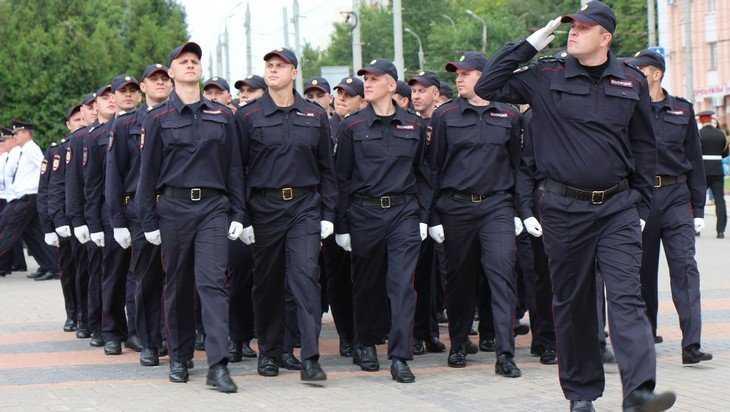 Брянский губернатор Александр Богомаз поздравил полицейских