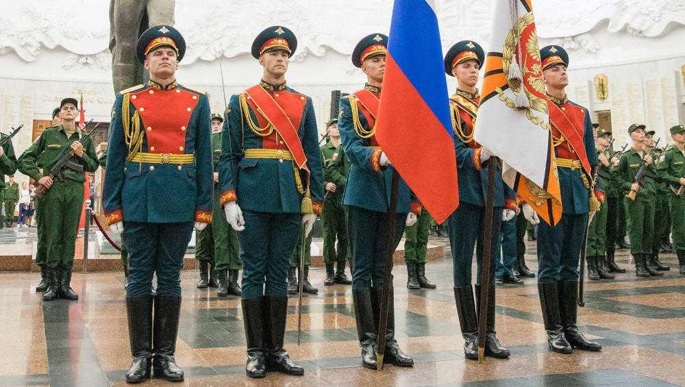 Семеро брянцев пополнили ряды элитного Преображенского полка