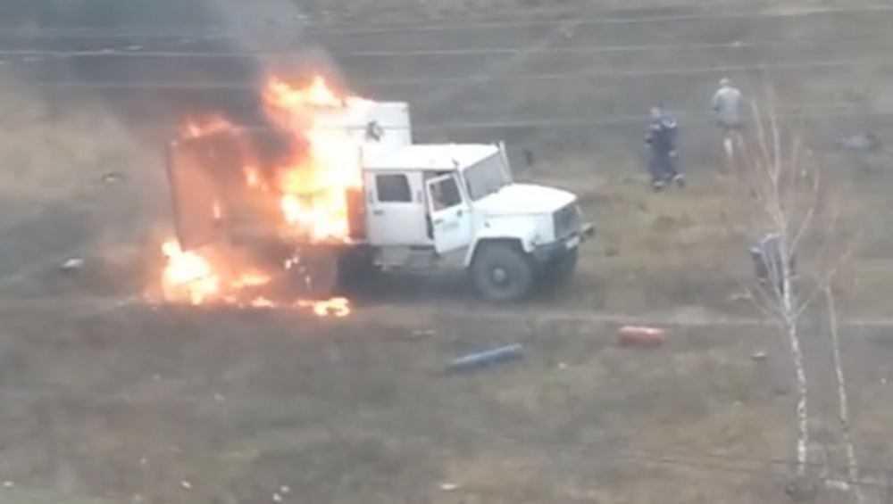 В Брянске пожар в фургоне грузовика записали на видео