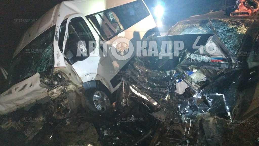 Ехавший в Брянск автобус попал в жуткую аварию