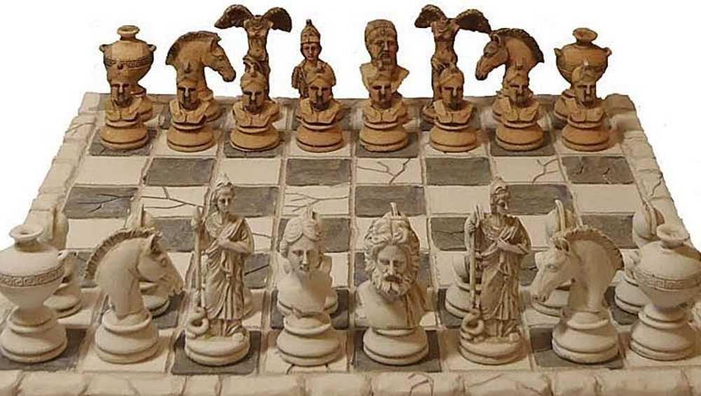 Брянцам предложили купить шахматы за 7,5 миллиона рублей
