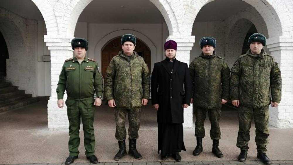 Офицерам железнодорожных войск Москвы и Питера показали брянский собор