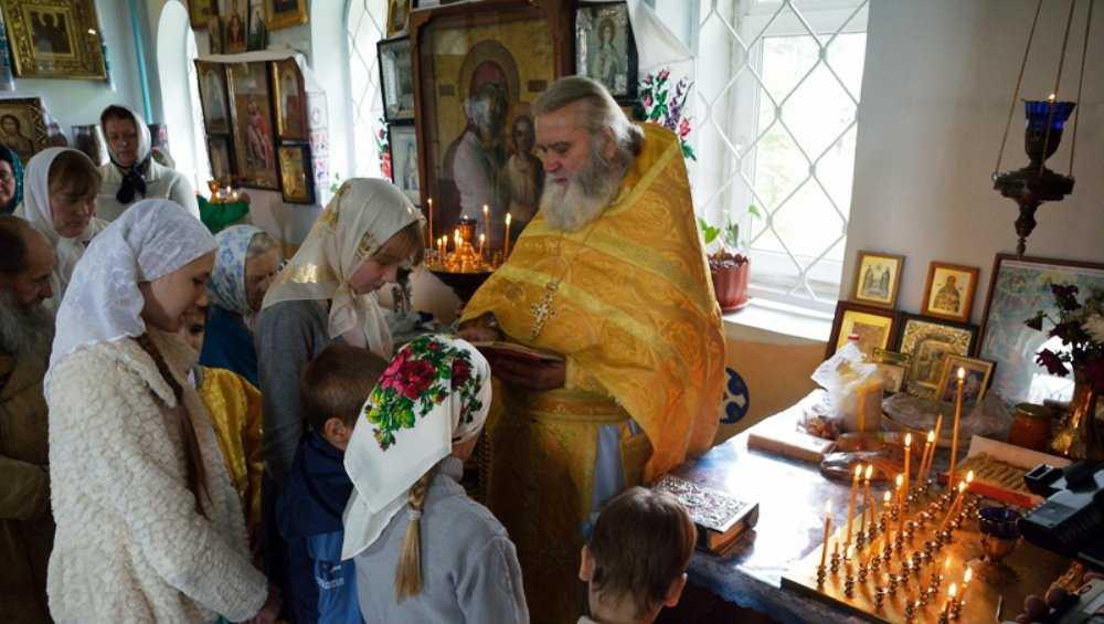 В Клинцах сбитая священником на «зебре» женщина родила девочку