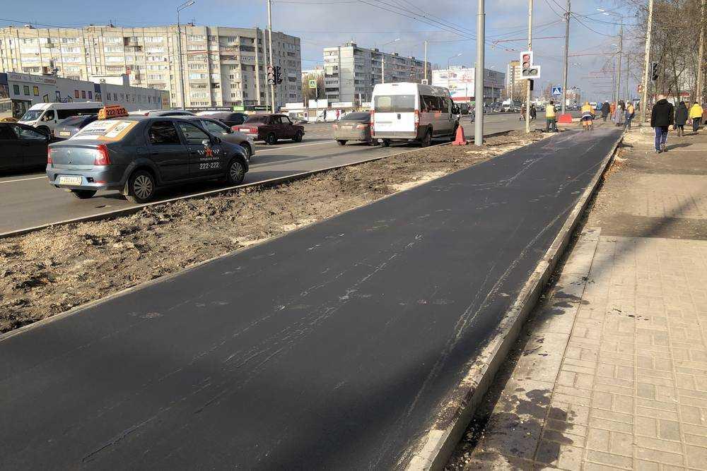 В Брянске на Авиационной наконец-то построили хороший тротуар