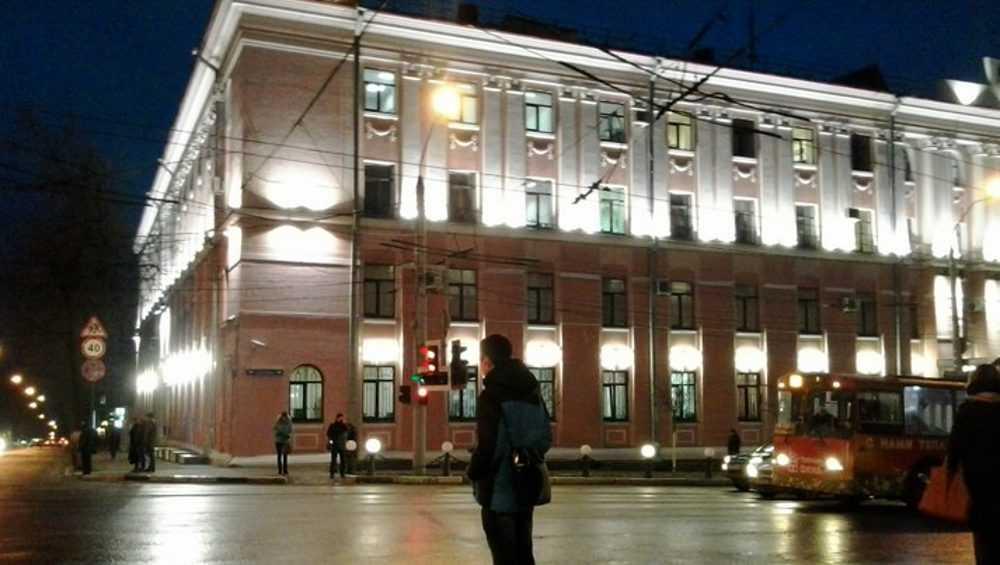 Бдительная жительница Брянска устроила переполох у здания УМВД