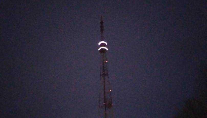 В Брянске на телебашню набросили второе кольцо света