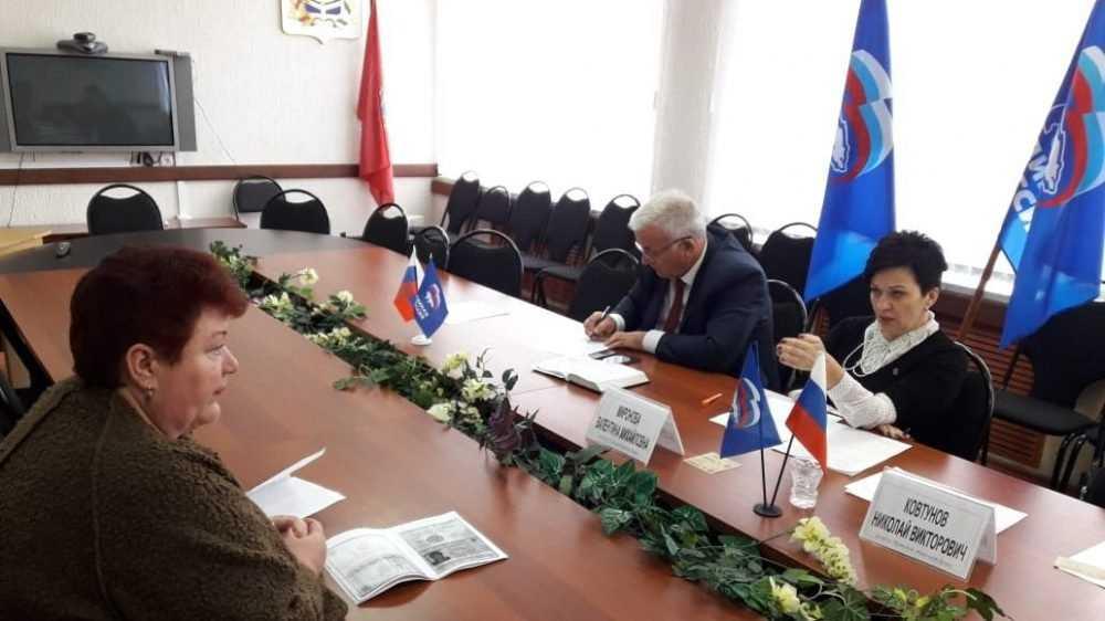 Миронова помогла гражданину с оформлением звания «Ветеран труда»