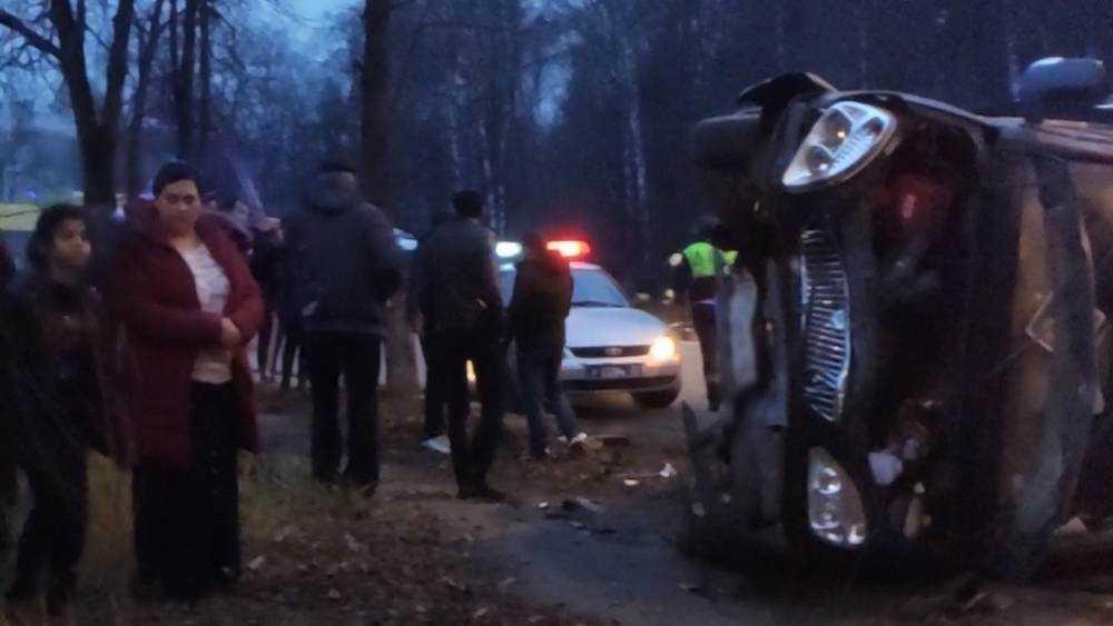 В Брянске в перевернувшейся маршрутке ранены четыре человека