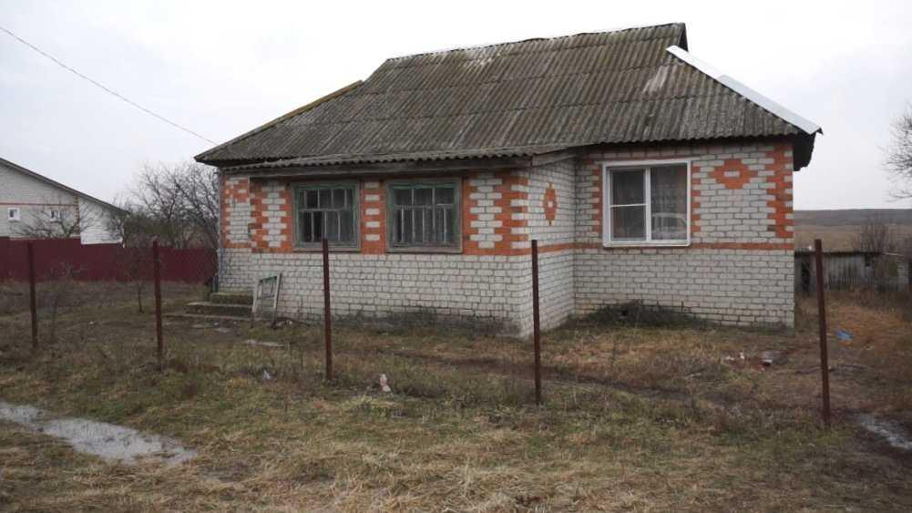 В Карачевском районе пьяный парень зарезал женщину и троих мужчин