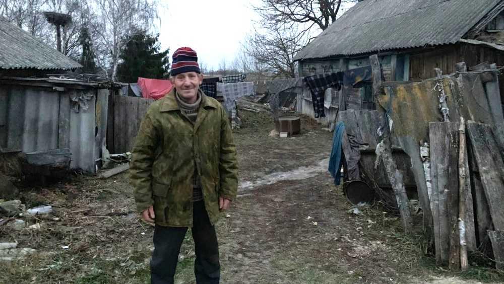 В Брянске собрали деньги для Анатолия из села без газа и воды