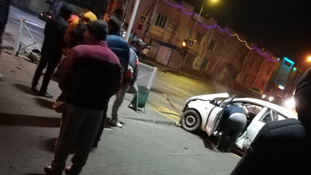 В Володарском районе Брянска водитель такси угодил в ДТП