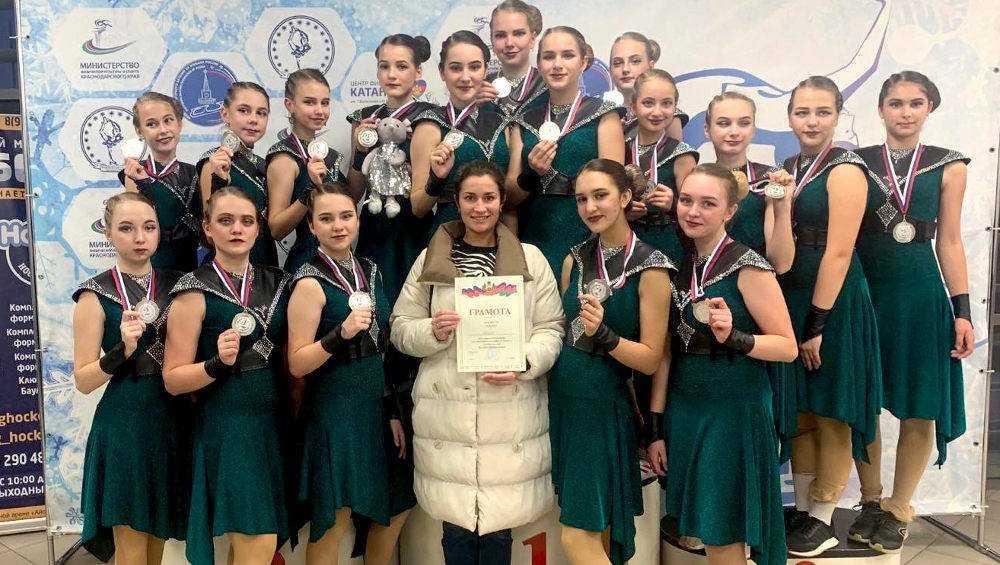 Брянские синхронистки на коньках завоевали «серебро» в Сочи