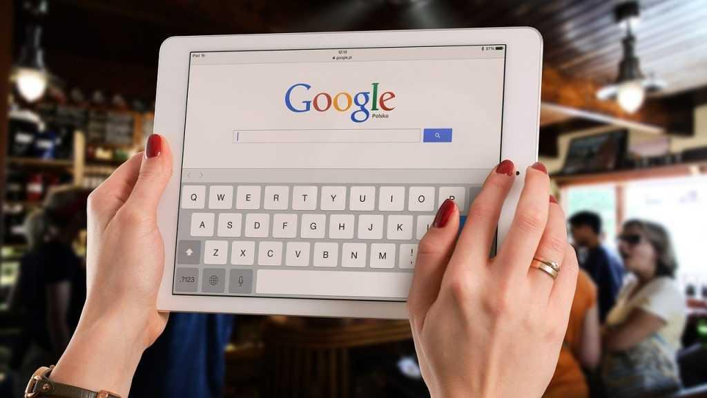 Депутаты замахнулись на Google, Facebook и Twitter
