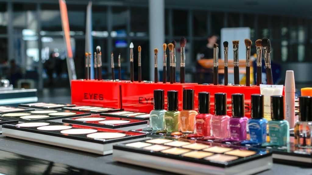 Салоны красоты в Брянске будут закрыты по 30 апреля