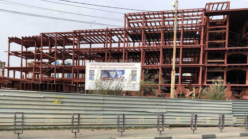 В Брянске начали строительство гигантского торгового центра Грешилова
