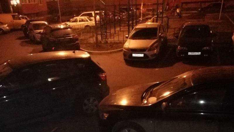 В Брянске теснота дворов вызвала всплеск ненависти к автомобилистам