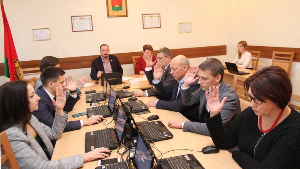 Брянские депутаты оставят общественников в бесплатных помещениях